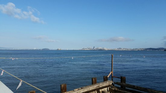 Ondine : The Golden Gate Bridge and SanFrancisco in the distance