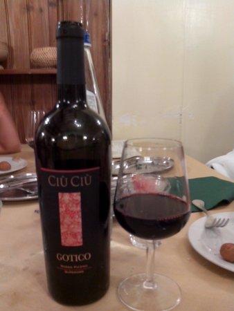Osteria del Borgo: Ottimo vino
