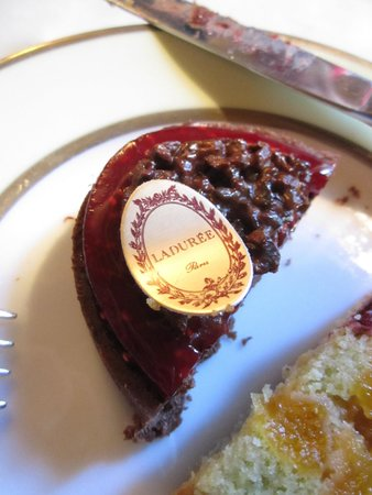 Ladurée : The slices that arrived after 30 minutes of waiting