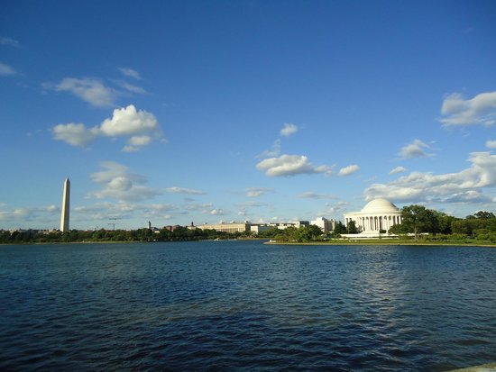 Jefferson Memorial and the Washington monument.