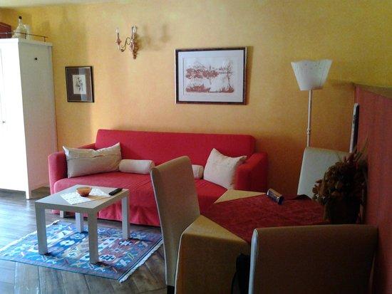 Interior design, stile, verde, marrone, piatto, soggiorno, divano ...