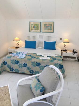 Merville Beach Hotel : Our room