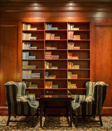 African Pride Melrose Arch Hotel: The Library Lounge