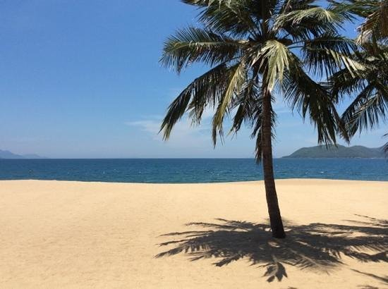 Evason Ana Mandara Nha Trang : vue depuis la grande piscine