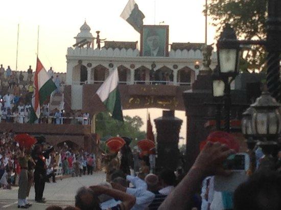 Wagah Border: Indisch-Pakistanische Grenze