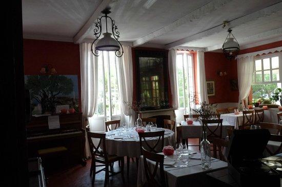 Restaurant la Roquebrunoise : salle du restaurant