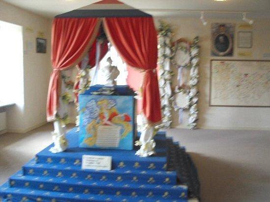 Maison de la Chouannerie et de la Revolution: Reconstitution  autel révolutionaire