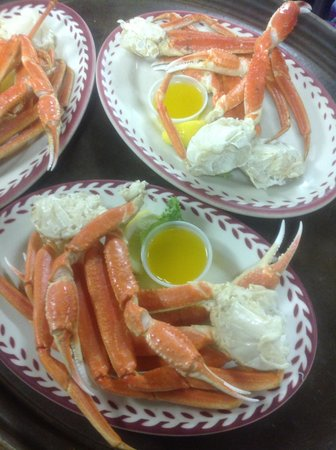 Johnny Cace's Seafood & Steak House: Snow Crab leg special Tuesday's 3-9