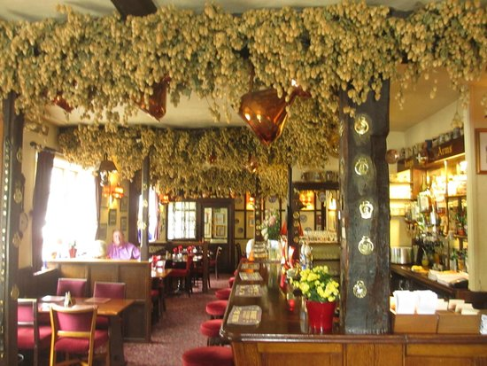 The King's Arms Restaurant: Lovely interior