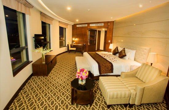 Minh Toan Galaxy: Premier Suite Room