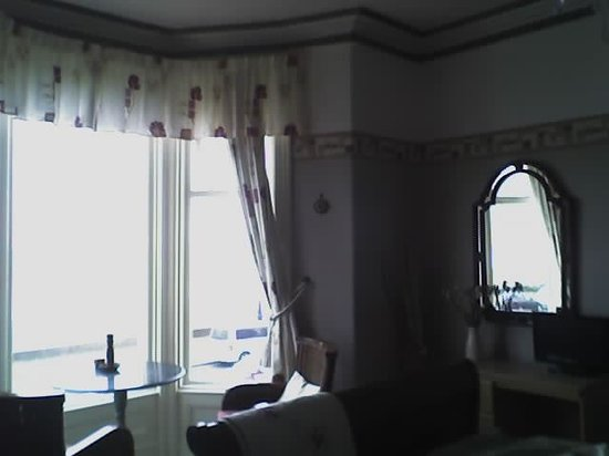 Carmel Hotel: BAY WINDOW