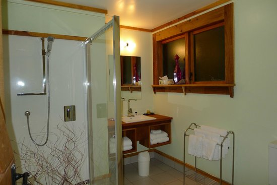 The River Lodge: Ensuite to Twin Room