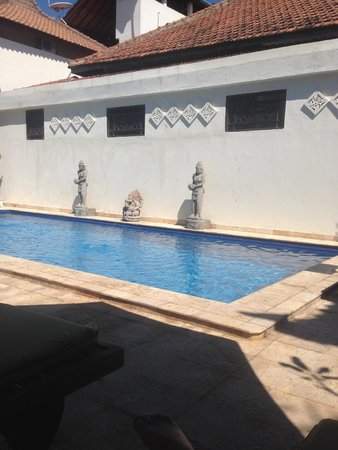 Martas Hotel : Poolside