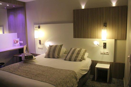 Ibis Styles Melun : Belle chambre spacieuse malgré un manque de propreté...