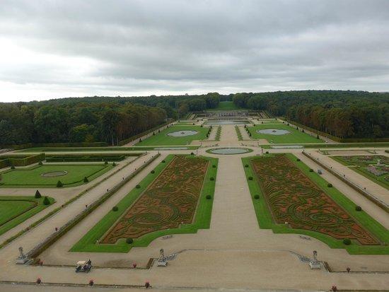 Château de Vaux-le-Vicomte : Les jardins depuis le dôme du chateau