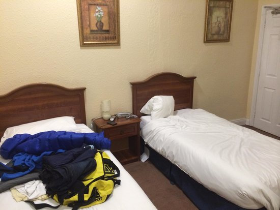 My Place Dublin Hotel : Basic twin room ground floor
