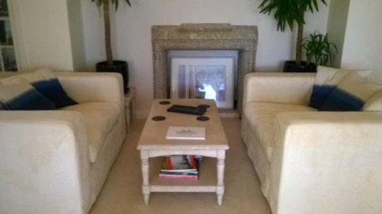 Blue Hayes Hotel: lounge