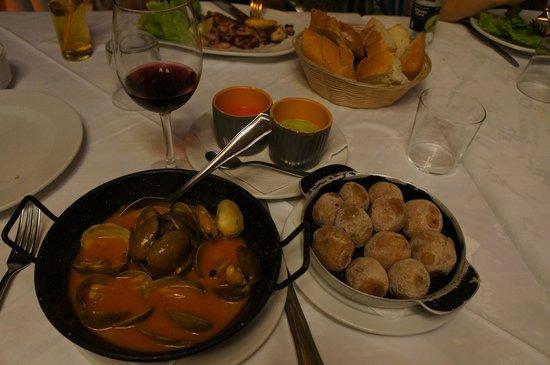 Masia del Mar: Моллюски и картошка по-канарски