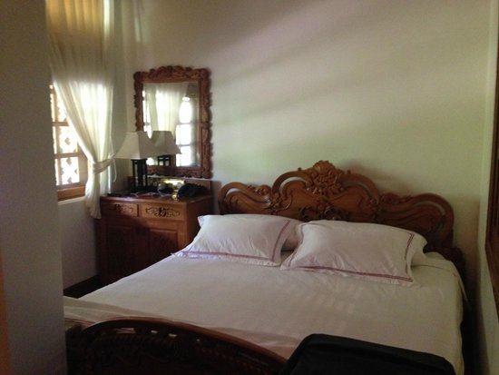 Hotel by the Red Canal, Mandalay : Hotel by the Red Canal - Chin Suite