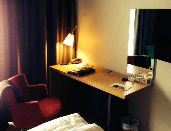 Thon Hotel Kirkenes: Interiør rommet