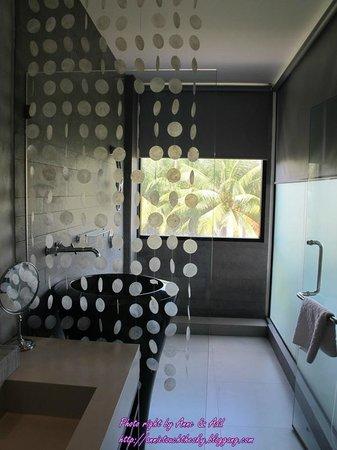 Dune Hua Hin: ห้องน้ำกว้างขวางมาก