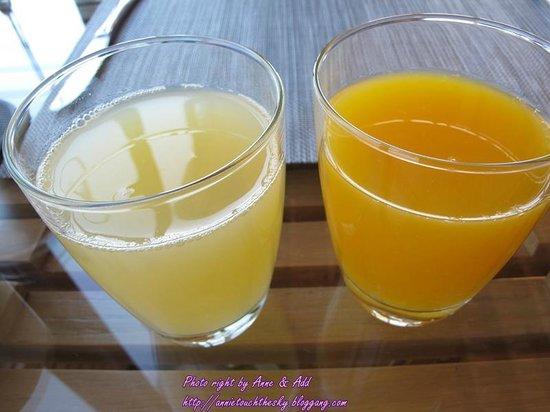 Dune Hua Hin: น้ำส้ม และ น้ำสัปปะรด