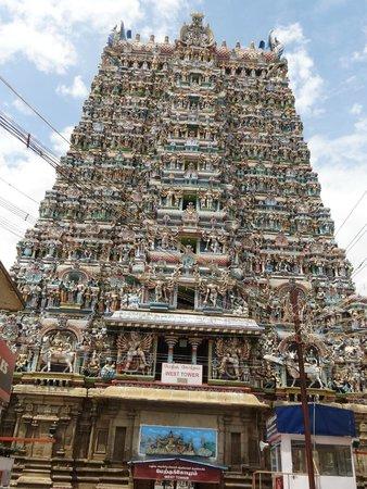 Templo de Sri Meenakshi: Entry gate