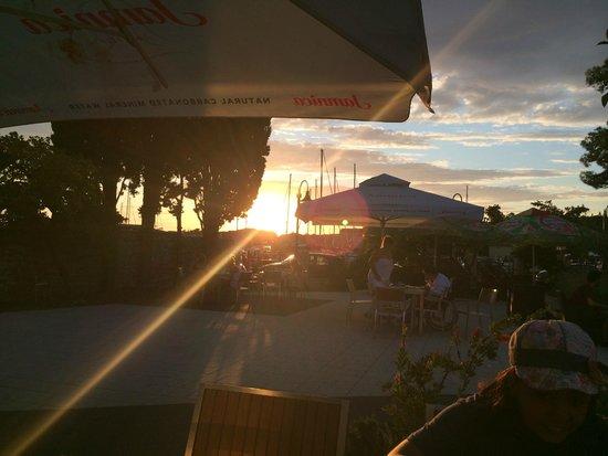 Youth Hostel Zadar: Terrace at sunset