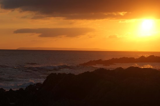 Ocean Pitch: Sunset over lundy