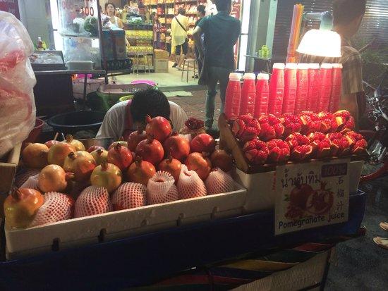 Bangkok Food Tours: Juice Cart