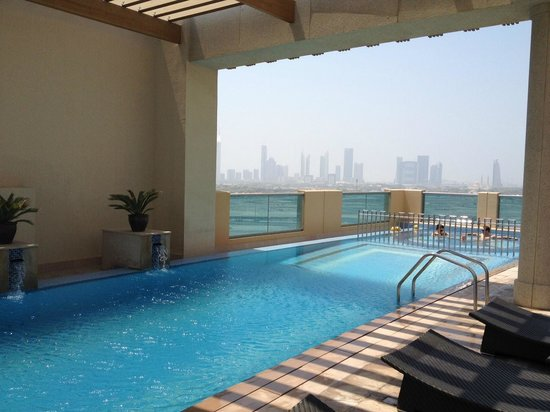 Marriott Hotel Al Jaddaf, Dubai: rooftop pool