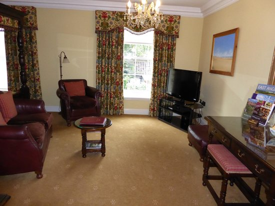 Beechwood Hotel: Garden Room Seating Area