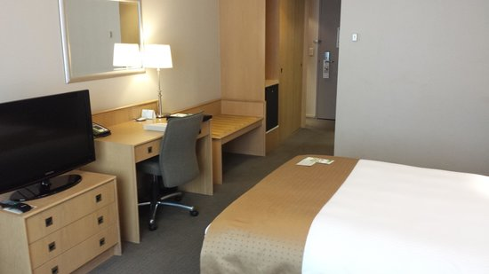 Holiday Inn Perth City Centre: Another Bedroom View