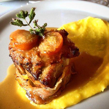 dulcisinfundo: Filetto di maiale lardellato con purea di patate allo zafferano