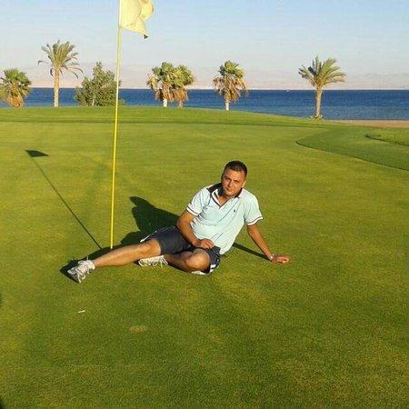 Strand Beach and Golf Resort Taba Heights: يوسف
