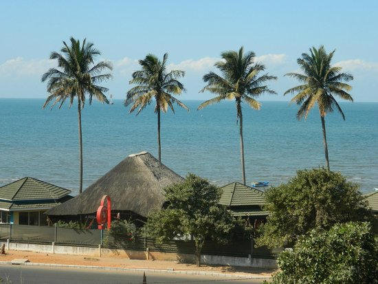 Radisson Blu Hotel & Residence, Maputo: View of the beach