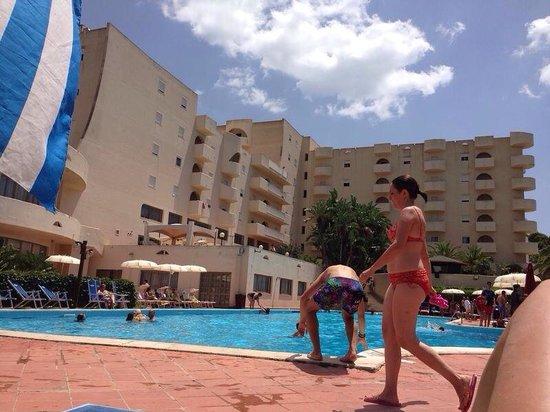 Paradise Beach Resort : Vista resort dalla piscina