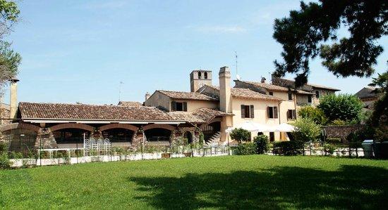 Castellaro Lagusello, إيطاليا: Esterni