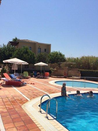 Vagia Mare Hotel : Swimming pools