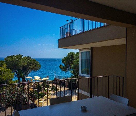 Villa Oasis Residence: Vista spiaggia dalla camera