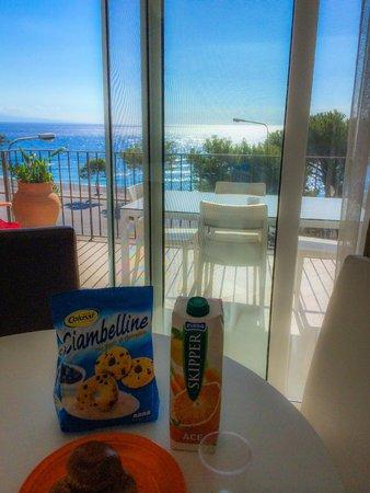 Villa Oasis Residence: Vista mare stanza
