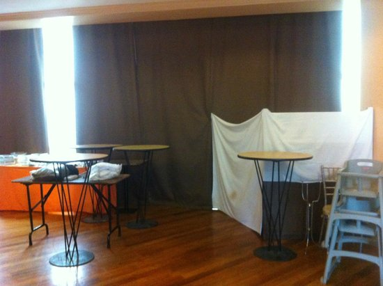 Fraser Place Manila: Lactation station - As I was in the corner I heard voices coming in and out of the room