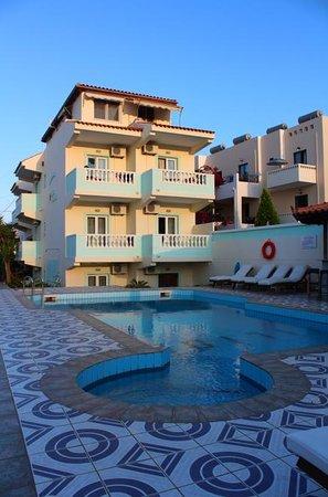 Ilios Studios: Ilios from the pool