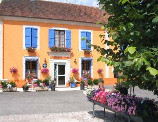 Vignory, France: hôtel