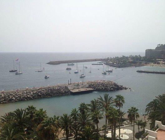 Radisson Blu Resort, Gran Canaria: Vista laterale dalla Reception
