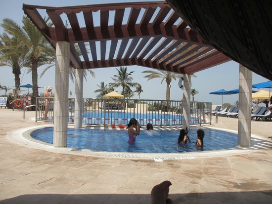 Hilton Al Hamra Beach & Golf Resort : Kids pool