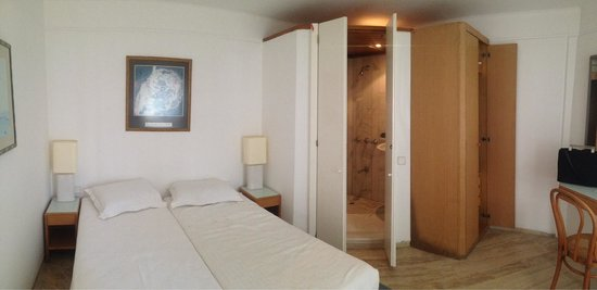 Antique Theatre Hotel : 15mt2 room+bathroom