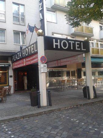 Berlin Plaza Hotel: L'ngresso