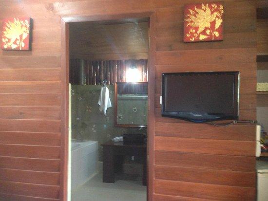 Lipa Bay Resort : inside the room