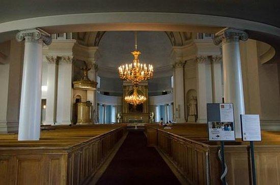 Cathédrale luthérienne d'Helsinki : Interior